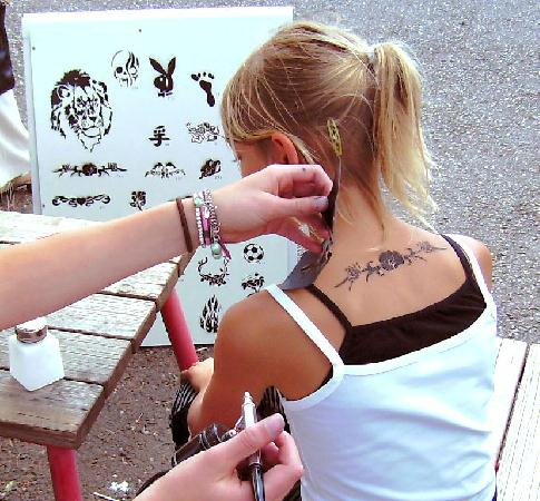 Air Brush Tattoo Artist for events and parties in dallas tx